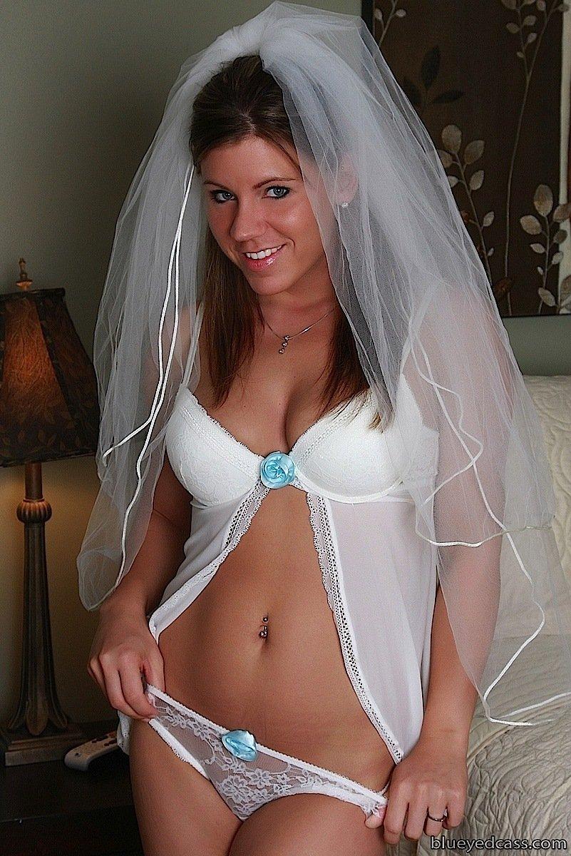Cass Naked Bride | Cass Blueyez